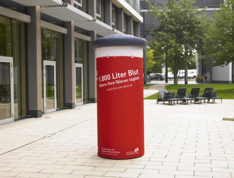 Werbemittel die Rote Säule für die Deutsche Nierenstiftung