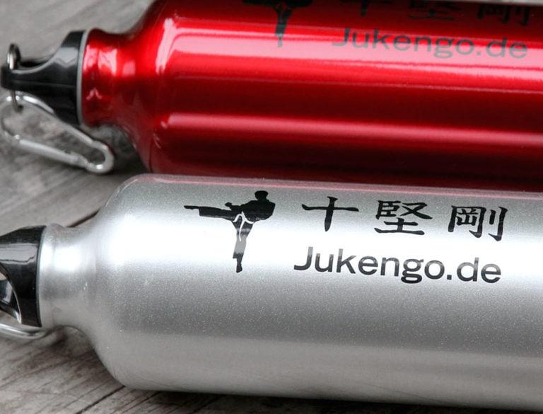 Design-Werbemittel - Grafik-Design Print Referenz Trinkflaschen Werbemittel