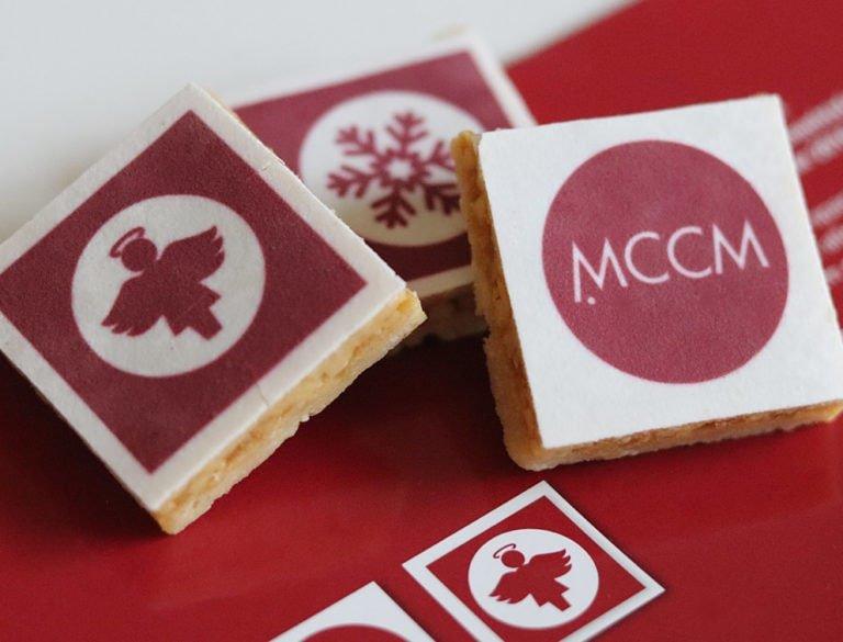 Design-Werbemittel - Weihnachtsaktion mit bedruckten Keksen im Corporate Design des Unternehmens